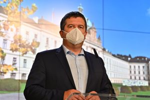 In Brief: Czech Interior Minister Jan Hamacek Tested Positive for Coronavirus
