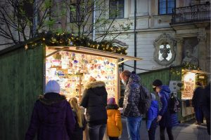Virtual Advent: Traditional Market Handicrafts And Gifts Go Online