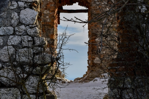 devicky-castle-Pavlov-ruins-credit-KB-BD (3)