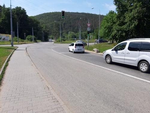 Crossing at Kamenolom Intersection in Bystrc BD (1)