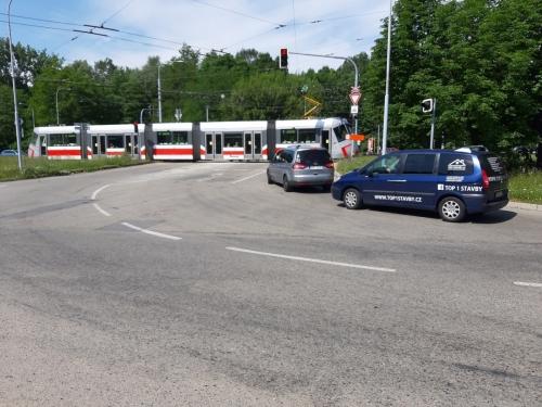 Crossing at Kamenolom Intersection in Bystrc BD (2)