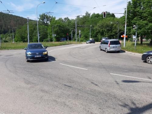 Crossing at Kamenolom Intersection in Bystrc BD (5)